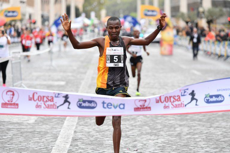 Corsa dei santi Il vincitore 2019 James Mburugu