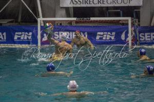 Tre tempi alla Roma nuoto, l'ultimo tempo black out. Vince la Pallanuoto Trieste