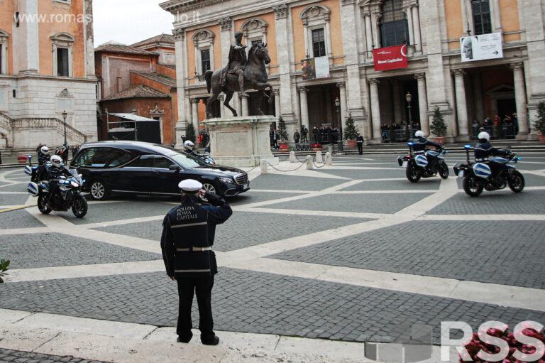 Funerali Gigi Proietti Campidoglio