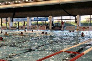 Falsa partenza per la Roma Nuoto nella prima partita stagionale nella vasca di Brescia