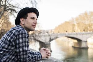 """Fuori il singolo d'esordio del cantautore romano Seba, """"Dille che l'aspetto"""""""