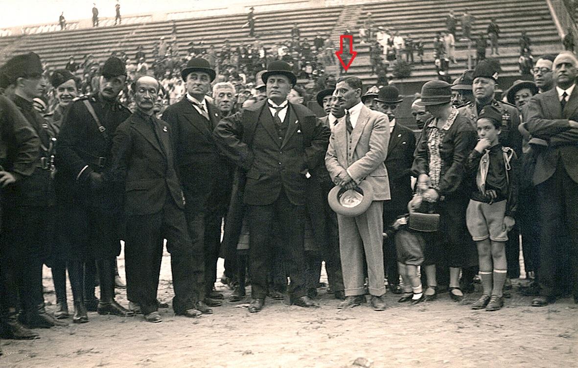 Italo Foschi, il fondatore della AS Roma, con Benito Mussolini allo Stadio