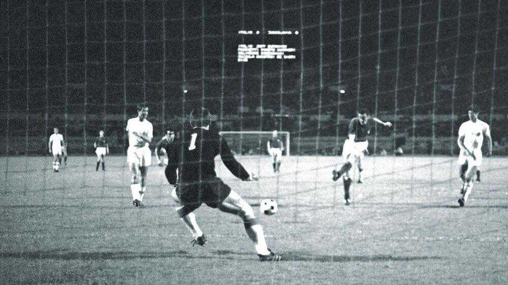 """Il gol di Riva """"rombo di tuono"""""""