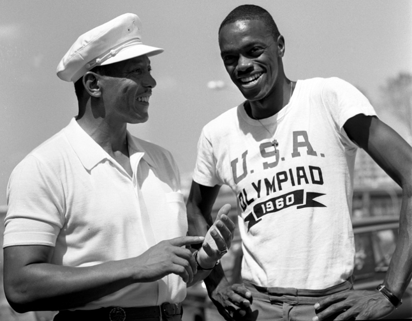 Ralph Boston con Jessie Owens