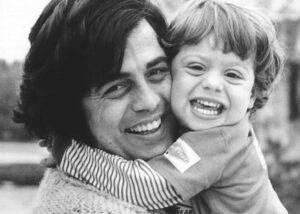 """""""MIO PADRE, LITTLE TONY"""", è uscito il libro-confessione di Cristiana Ciacci, figlia dell'Elvis italiano"""