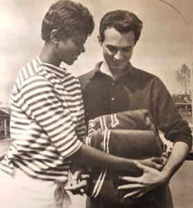 Wilma Rudolph regala la sua tuta a Livio Berruti