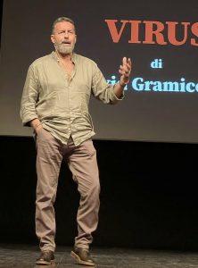 "A Roma ""Virus"", un reportage pandemico in chiave teatrale"