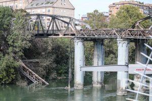 Ponte di Ferro in fiamme, forse un corto circuito